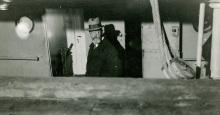 Adolf Hoel ombord i «Michael Sars» for å dra «Bratvaag»i møte høsten 1930.